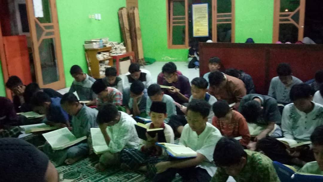 Program Hafidz Quran  30 Juz di SMA Boarding School Putra Harapan